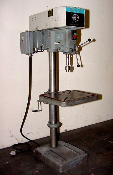 Machinery Values, Inc  - 20'' Swing 1 5HP Spindle Rockwell 70-330